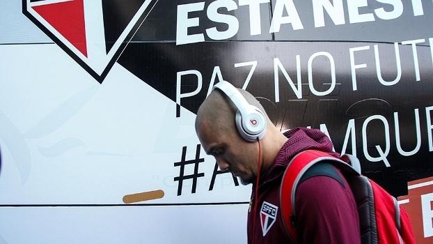 Maicon vai a Portugal para ajudar São Paulo em negociação com o Porto