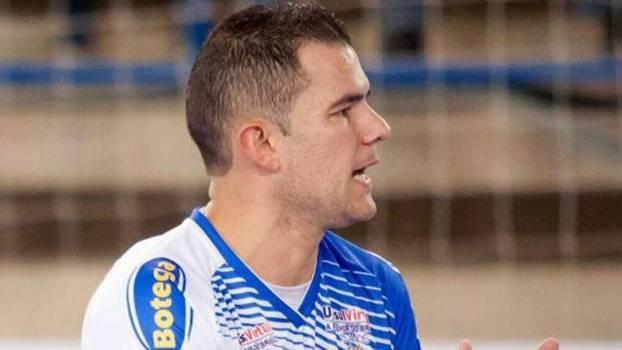 Jogador defendeu o Tubarão, de Santa Catarina, nesta temporada