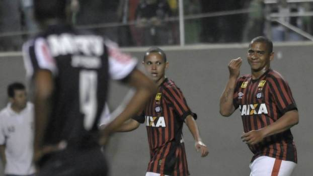Walter anotou o gol da vitória do Atlético-PR na Arena Independência