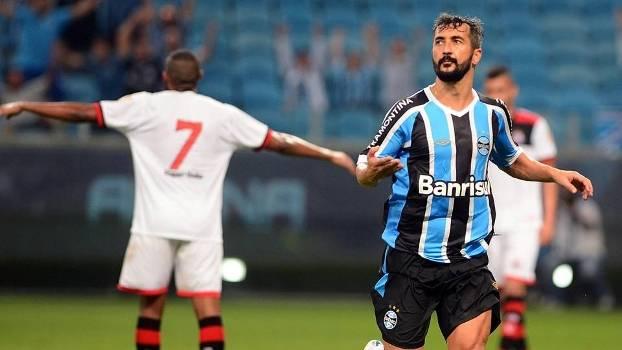 703b430a73 Grêmio evolui a cada jogo e já tem time bastante competitivo