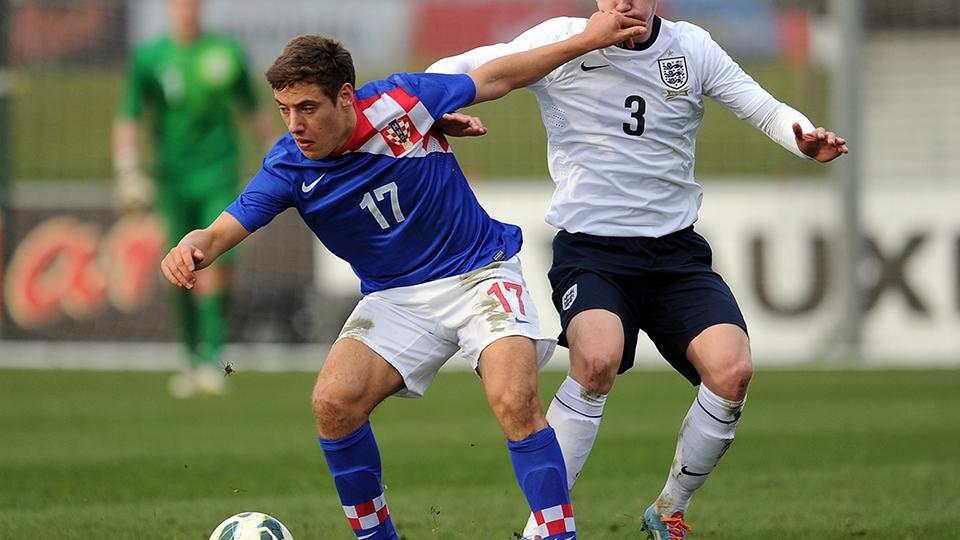 O meia-atacante Nikola Vlasic não só permanece no Hajduk Split como também é titular. Ele ainda soma passagem pelas seleções de base da Croácia