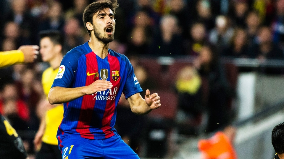 André Gomes - Barcelona (35 milhões de euros): Muito utilizado por Luis Enrique, o meio-campista realizou 40 partidas na atual temporada