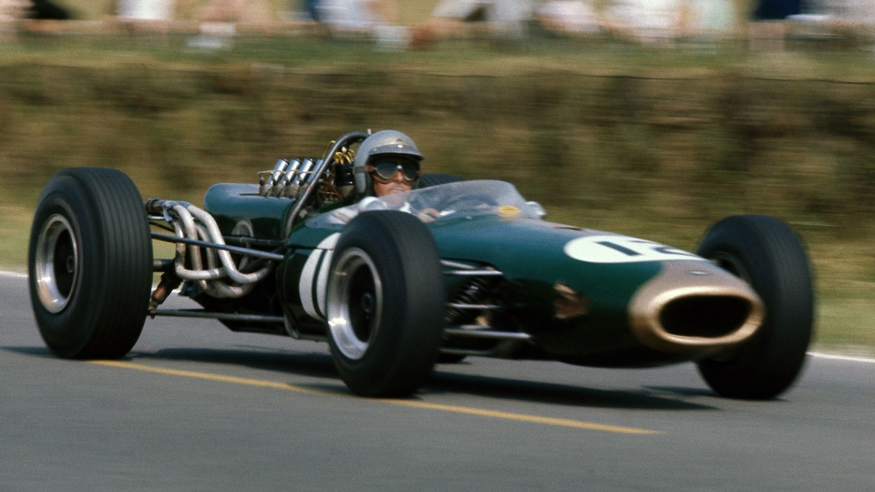 Jack Brabham (pai), 3 títulos, 14 vitória, 13 poles
