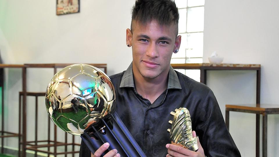 1 - NEYMAR, Santos (2012): 7,12 em 17 jogos (com a média virou hour concurs no prêmio)