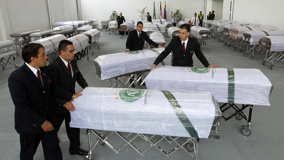 A Força Aérea Brasileira usou três aviões C-130 Hercules para trazer os heróis de Medellín, na Colômbia, para Chapecó