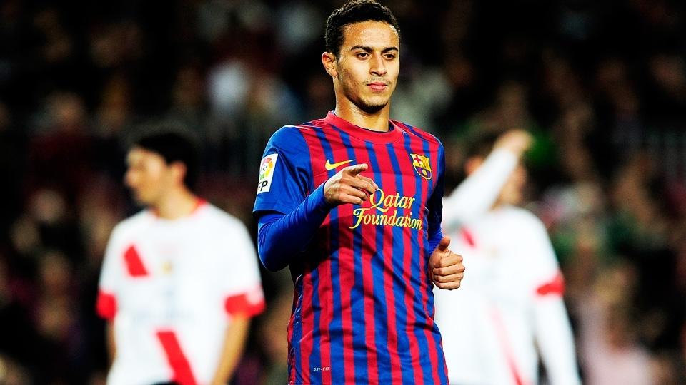 Thiago com a camisa 2011/12 do Barcelona: listras irregulares, num desenho que gerou polêmica