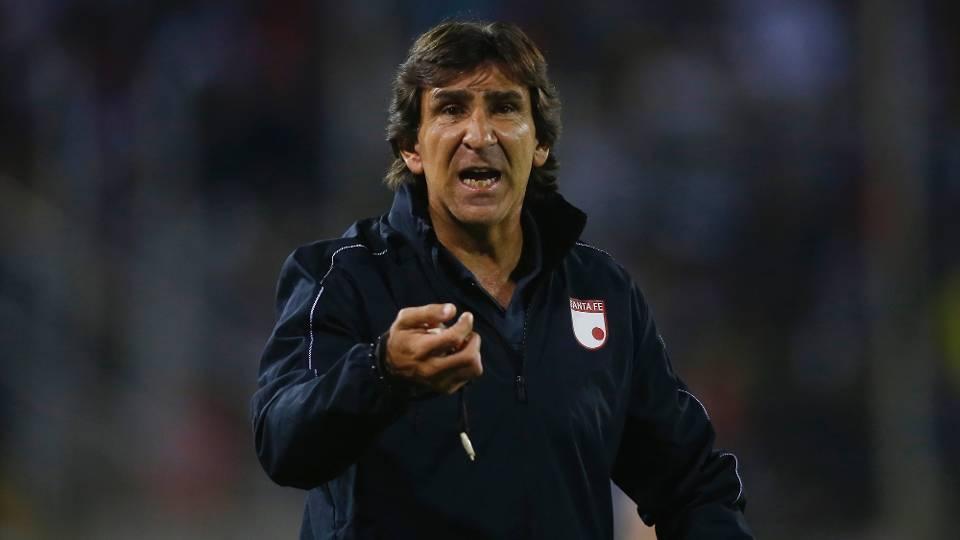 Gustavo Costas-Santa Fe: Este é o oitavo clube que o argentino dirige na carreira. Como jogador, foi defensor e se aposentou em 1997