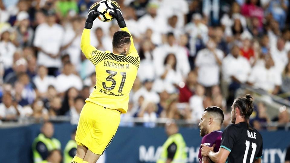 17º - Ederson (40 milhões de euros, R$ 149 milhões): será o camisa 31 do Manchester City
