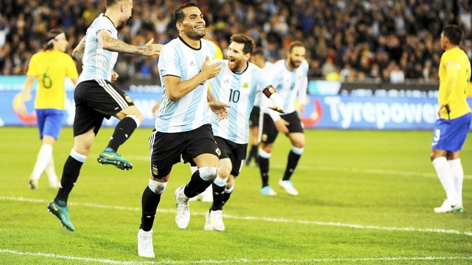 Mercado comemora o gol da vitória argentina