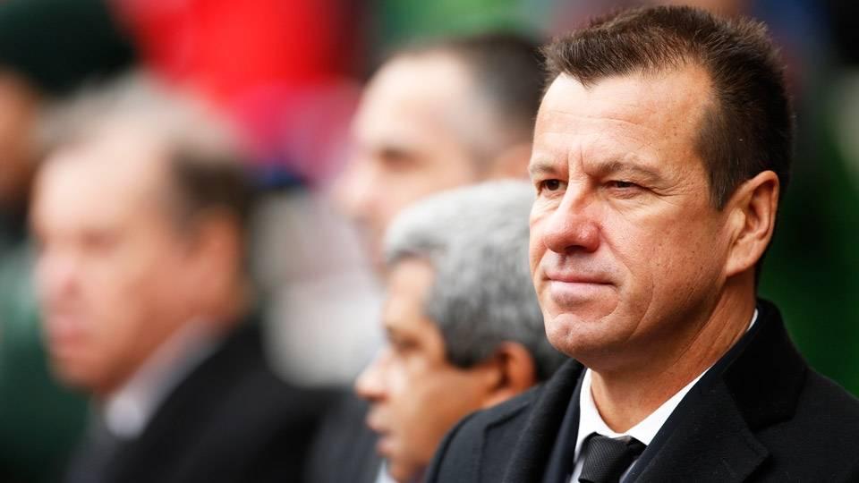 BRASIL: Dunga (51 anos, brasileiro) - Ainda invicto em sua 2ª passagem pela seleção brasileira, ele disputa a 1ª competição desde que voltou ao cargo