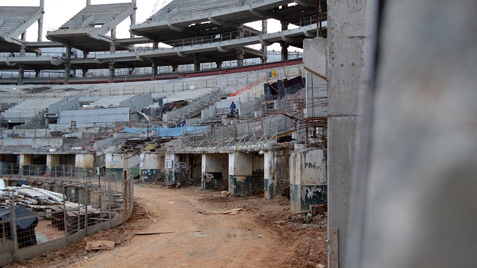 Parte da arquibancada antiga permanecerá debaixo da nova