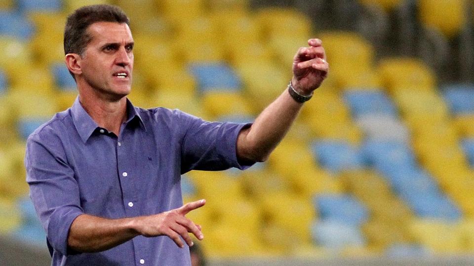 11 - Vagner Mancini (Botafogo) - R$ 150 mil por mês / R$  1.950 por ano