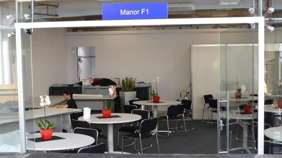 Manor, a pior equipe do grid, também possui um espaço decente no paddock