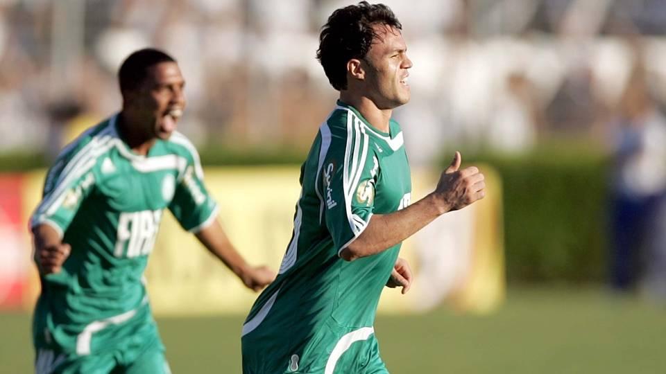 Kléber 'Gladiador' quase apagou a idolatria conquistada em 2008 na sua 2ª passagem, entre 2010 e 2011; hoje acerta sua saída do Grêmio