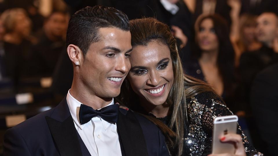 Marta tieta Cristiano Ronaldo e faz selfie com o craque português