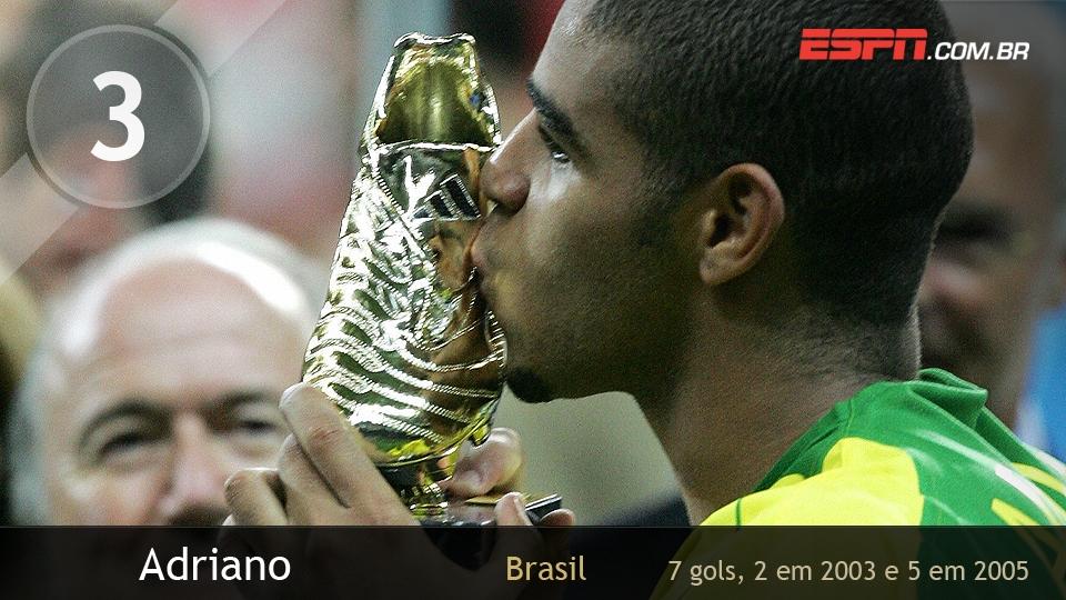A vitória por 4 a 1 na final contra a Argentina em 2005 ficou marcada na história: Adriano fez 2 gols no jogo, além de ser artilheiro e melhor jogador