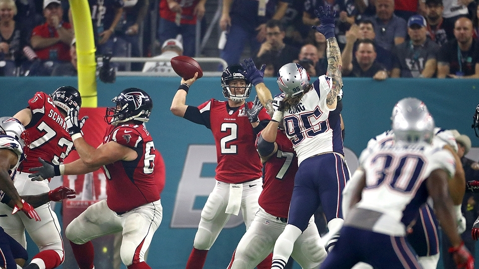 ESPN Matt Ryan (2) lidera o ataque dos Falcons contra os Patriots no Super  Bowl 009e6aa4d03