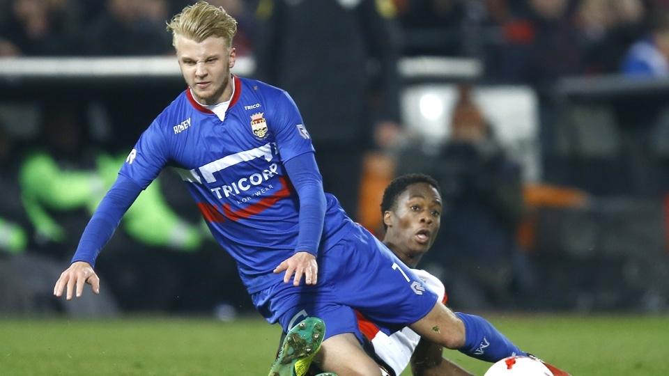 O meia-atacante holandês Jari Schuurman pertence ainda ao Feyenoord e foi emprestado ao Willem II, da 1ª divisão, nesta temporada