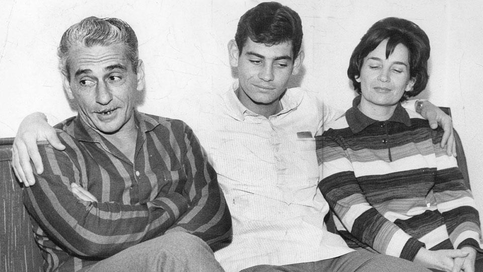 Rivellino ao lado dos pais, Nicolino e Holanda, em 1965