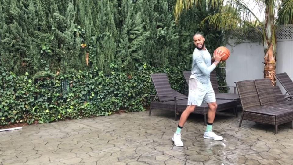 Brandon Armstrongé conhecido por fazer vídeos imitando jogadores da NBA