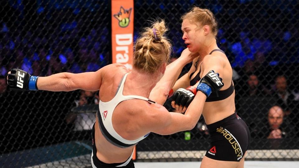Derrota de Ronda Rousey para Holly Holm entrou para o grupo de grandes 'zebras' do esporte. Relembre outras!