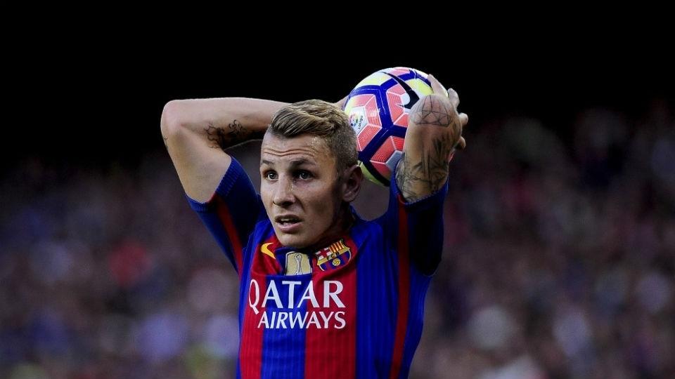 Lucas Digne - Barcelona (16,5 milhões de euros): Contratado para ser reserva de Jordi Alba, o lateral esquerdo foi utilizado em 23 partidas