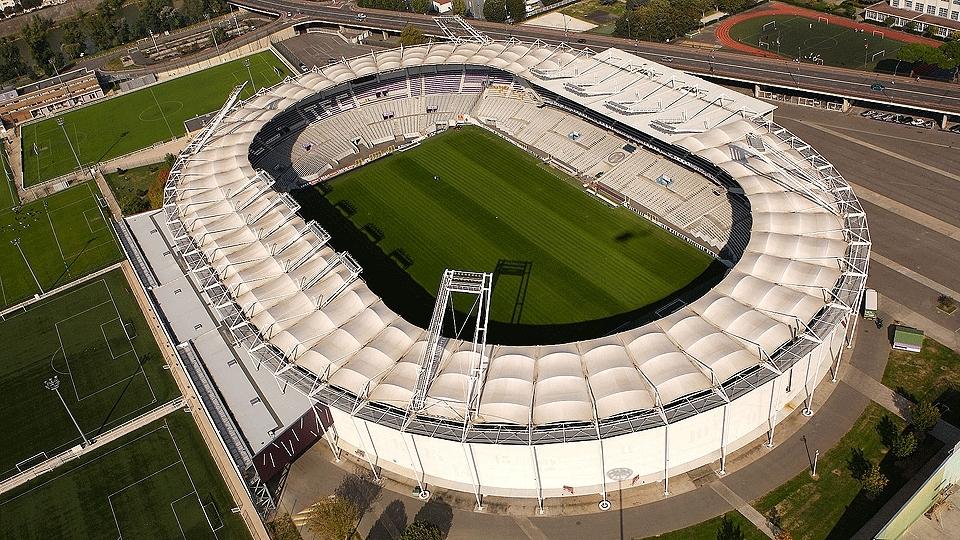Stadium Municipal de Toulouse (Toulouse, 33 mil pessoas, estádio de 1937) - reformado: R$ 166,7 milhões