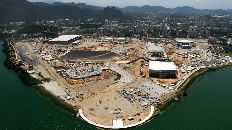Instalações do Parque Olímpico da Barra da Tjuca começam a tomar forma, em foto agora de março de 2015