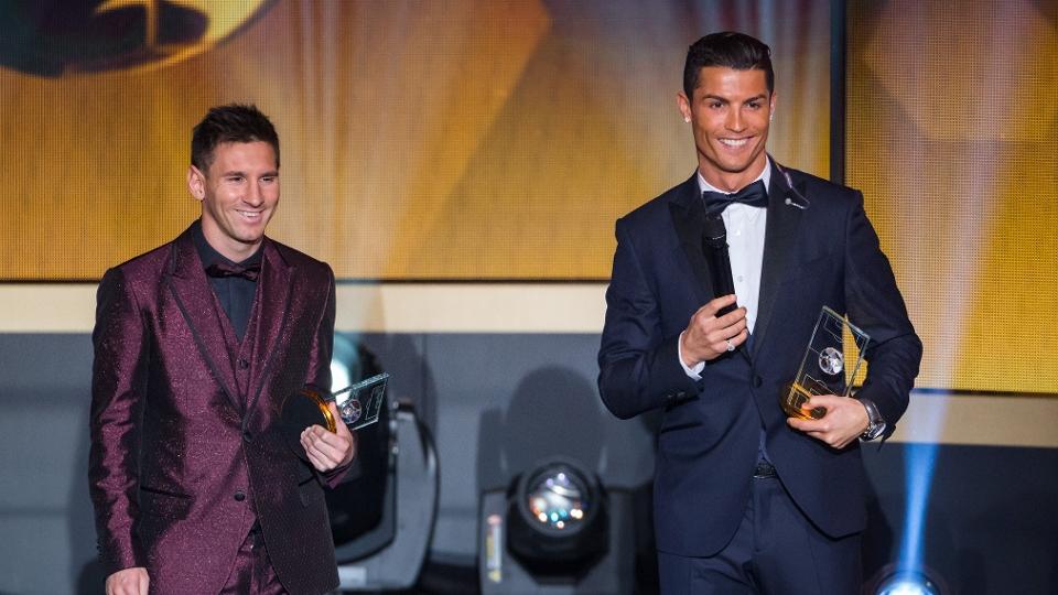Messi e Cristiano Ronaldo discursam na premiação