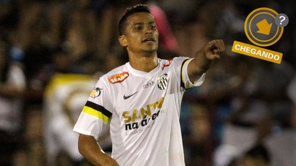 Cícero já jogou no São Paulo, foi o destaque do Santos nesta temporada, mas pode ir para o rival Corinthians