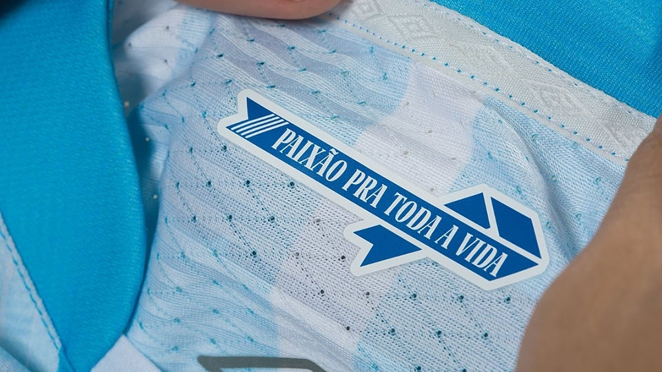 b4a5abbd2ba00 Islândia apresenta novas camisas 1 e 2 para a Copa do Mundo