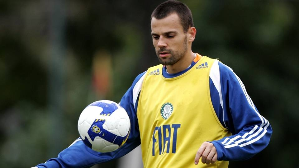 Diego Cavalieri, que atuou bem durante lesão de Marcos no começo do ano, entrou na final como agradecimento de Luxa; hoje defendo o Fluminense