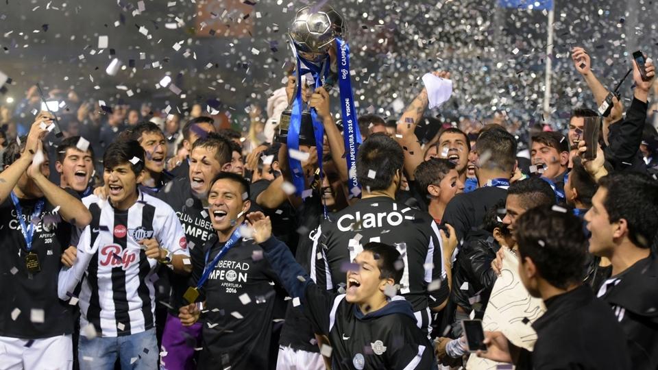 FASE DE GRUPOS: Libertad, Paraguai - campeão do Apertura paraguaio
