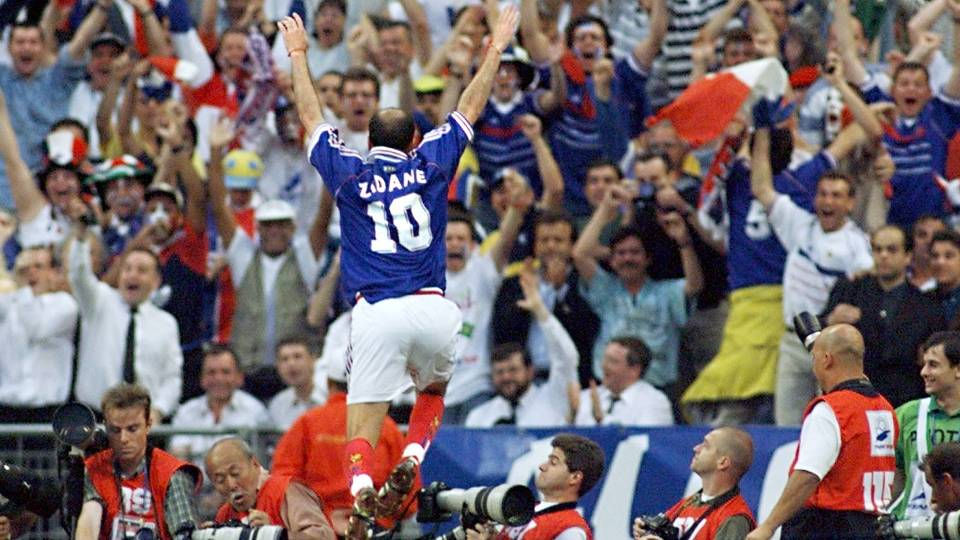Zidane - Autor de dois gols na final de 1998, é o treinador do Real Madrid B