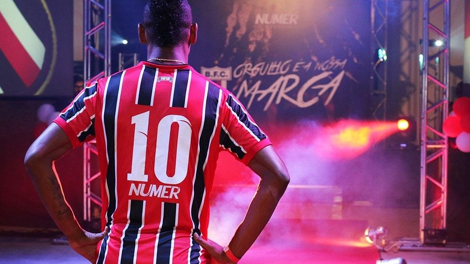 b1e235608cb0e Vasco muda de uniforme e assina com parceira da Diadora no Brasil ...