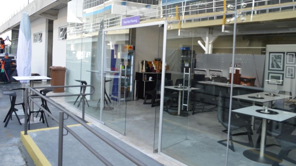 Área de hospitalidade da Red Bull no circuito paulistano