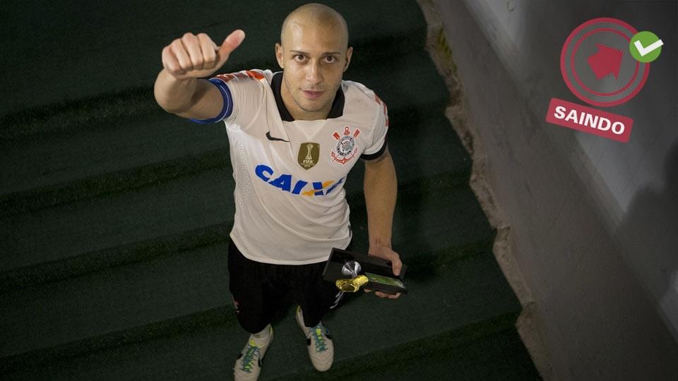 Alessandro, capitão nas conquistas da Libertadores e do Mundial em 2012, se aposentou do futebol