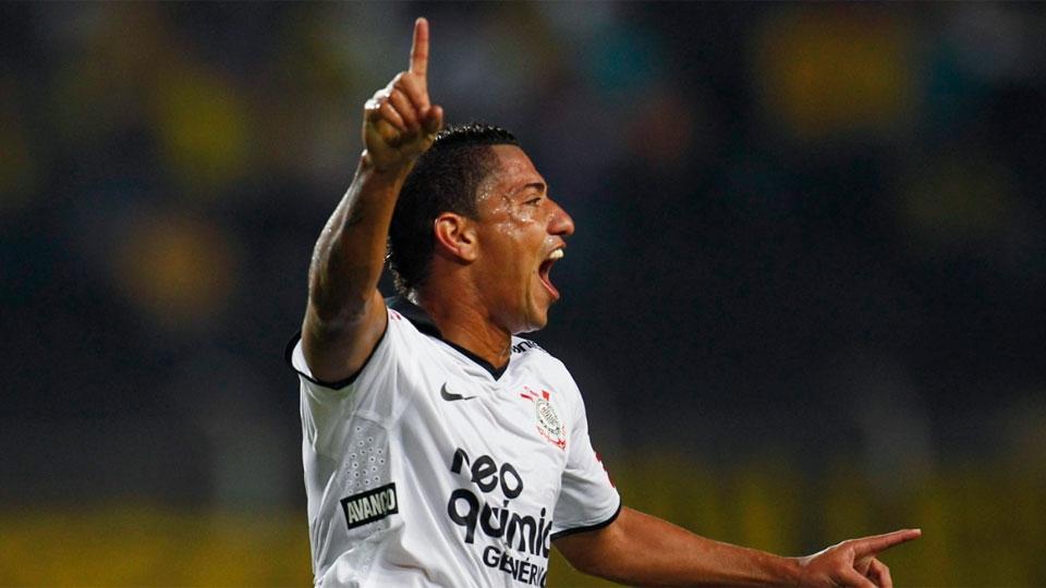 9 - RALF, Corinthians (2012): 6,50 em 23 jogos