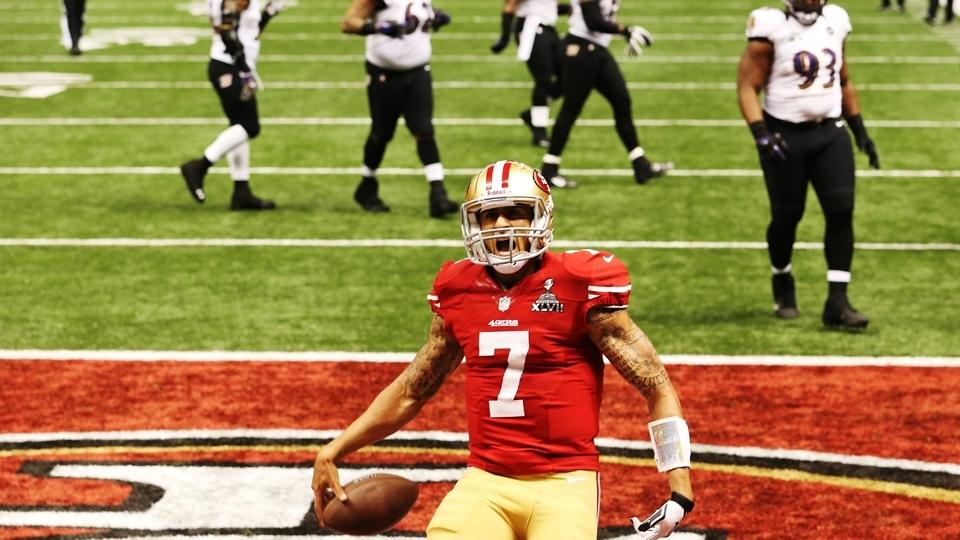Colin Kaepernick consegue o que nem Joe Montana e Steve Young conseguiram   vencer um Super Bowl pelos 49ers. E não foi fácil. Pelo terceiro ano  seguido 6c4808859e5f5