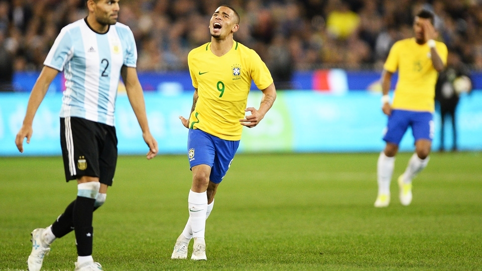 Gabriel Jesus lamenta chance perdida pelo Brasil