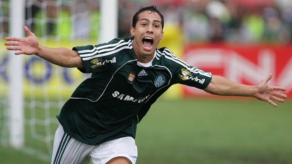 Após sair do Palmeiras, Lenny nunca mais se destacou, chegou a se arriscar como corretor de imóveis, e hoje está no Boavista, do Rio de Janeiro