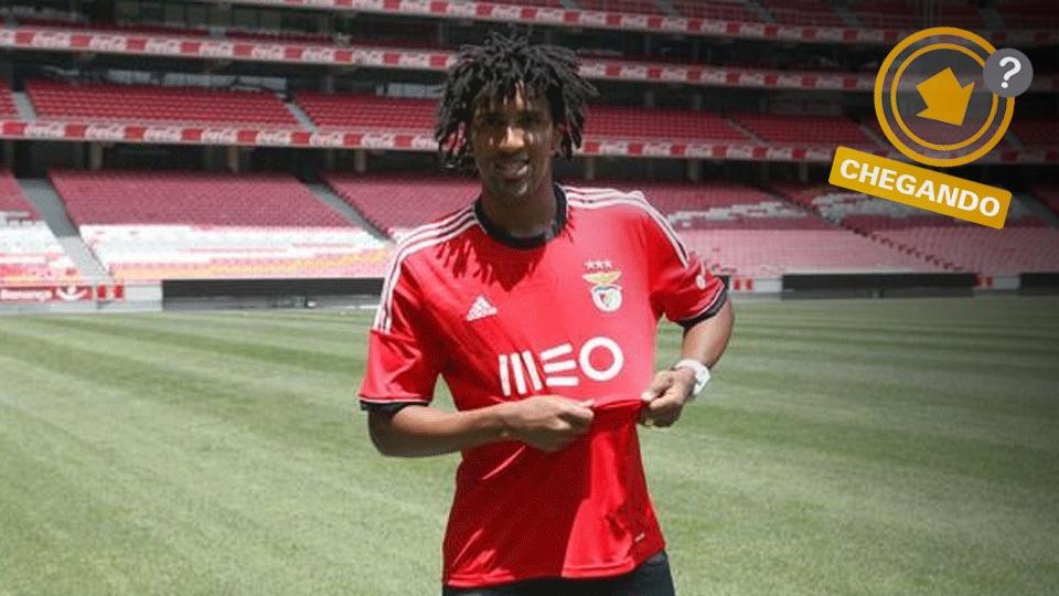 Cortez foi negociado com o Benfica e saiu em baixa do São Paulo, mas já é especulado para voltar à lateral-esquerda tricolor