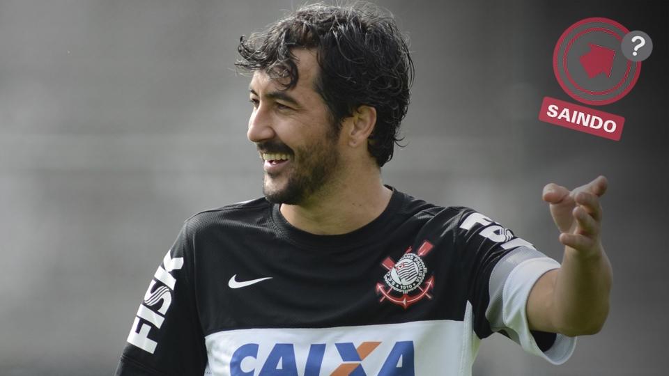 Douglas também pode estar fazendo as malas na renovação do meio-campo do Corinthians