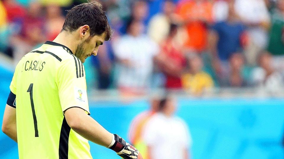 Casillas falhou no quarto gol da Holanda