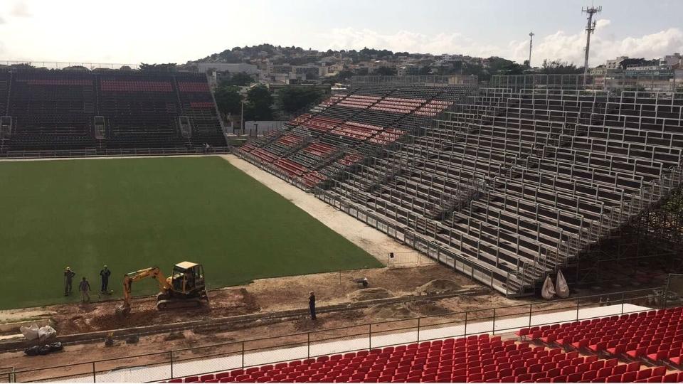 O estádio terá locais para se torcer de pé