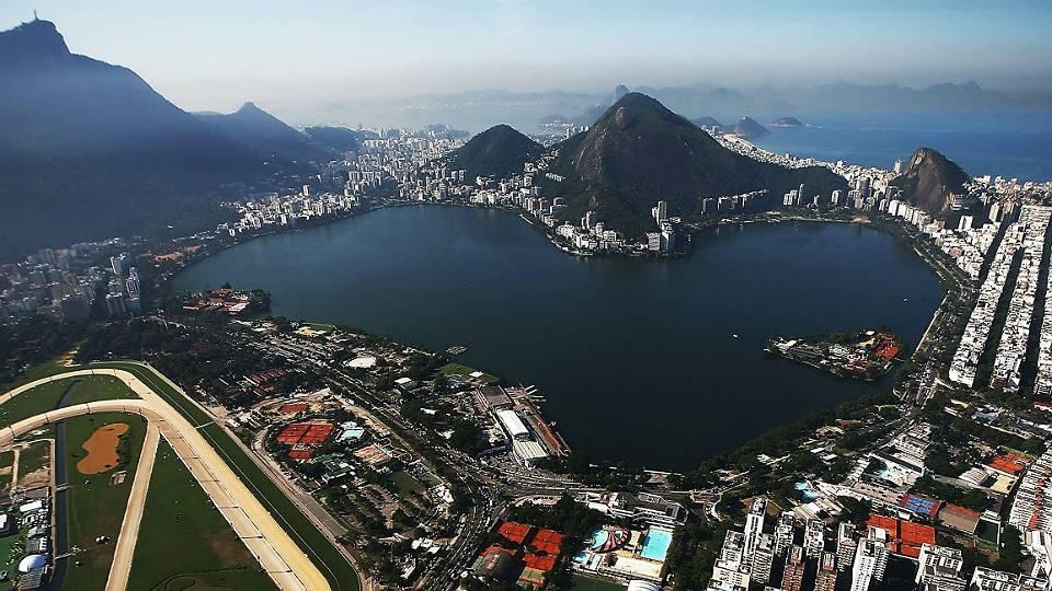 Lagoa Rodrigo de Freitas, um dos cartões portais do Rio de Janeiro, vai ser palco das provas de remo e canoagem