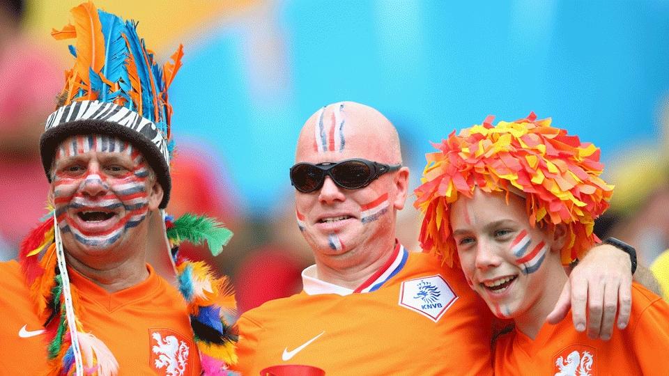 Torcedores da Holanda se pintaram para o duelo contra a Espanha