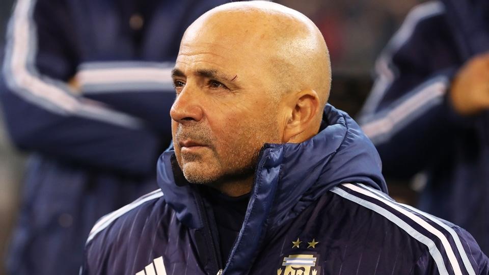 Jorge Sampaoli comanda a sua primeira partida pela seleção argentina