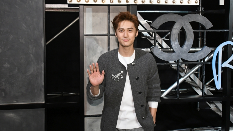 Jiang Jinfu é ator e modelo chinês