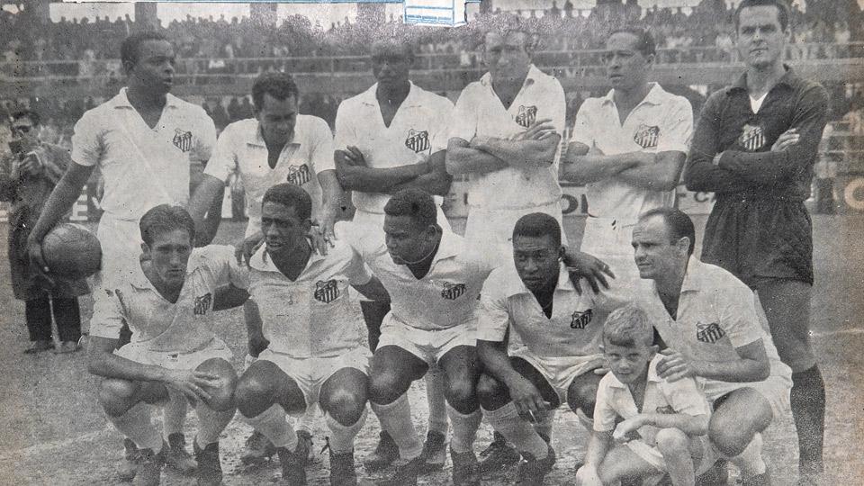 Com o Santos, ele venceu nove Paulistas, quatro Brasileiros (na época, Taça Brasil), duas Libertadores, dois Mundiais e quatro Torneios Rio-São Paulo